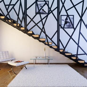 Réalisation d'un escalier moderne en métal noir