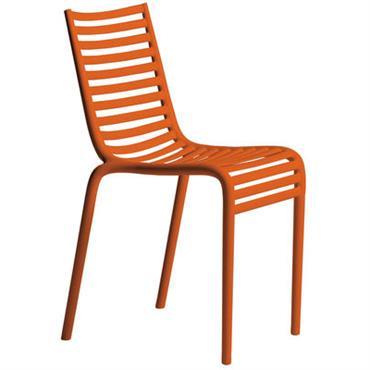 Chaise empilable Driade Design Orange Matière plastique Larg 44 cm x P 52,5 cm x H 83 cm - Assise H 47 cm Cette chaise s´inscrit dans la lignée du ...