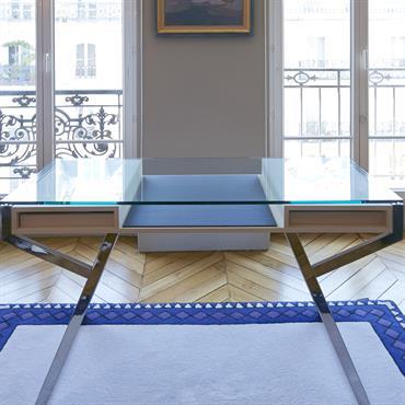 Bureau avec rideaux et tapis sur mesure pour coordonner l'ensemble.