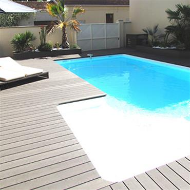 Terrasse en bois composite Forexia Piscine
