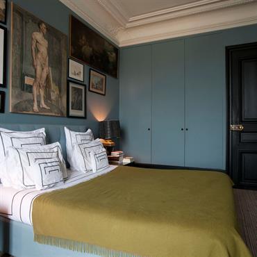une chambre de style classique pour passer une belle nuit en effet ce style trs