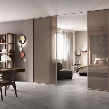 DELINEO Deux portes de 120x270 cm Finition : Gris perle Verre : Transparent Bronze
