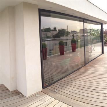 Vue extérieure de l''extension et la terrasse