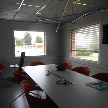 Salle de réunion, luminaires sur mesure