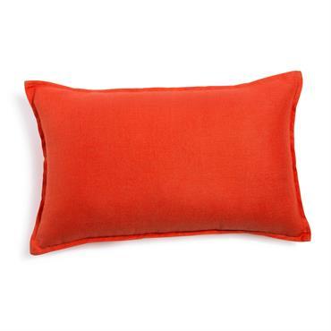 Avec sa couleur corail, ce coussin en lin lavé décorera avec originalité votre intérieur. Sur un fauteuil, un lit ou un canapé, il trouvera facilement sa place chez vous ! ...