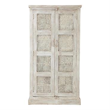 Offrez une création artisanale indienne à votre intérieur avec l'armoire Taj. Cette armoire en bois de manguier est ornée de deux grandes portes sculptées. Patiné jusqu'à obtenir un aspect très ...