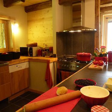 Cuisines chalets id e d co et am nagement cuisines chalets domozoom - Cuisine chalet montagne ...