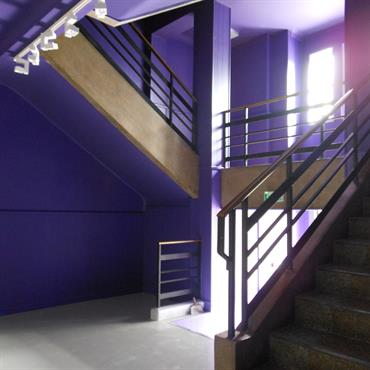 Re coloration de l'escalier existant.