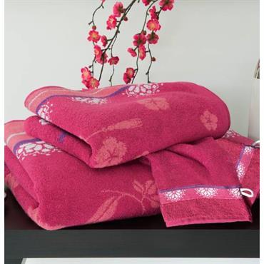 Eponge 100% coton, 400 g/m². Lavable à 60° Tissage jacquard