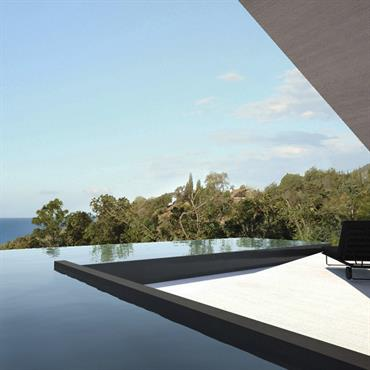 Terrasse et piscine belvédère, face à la mer