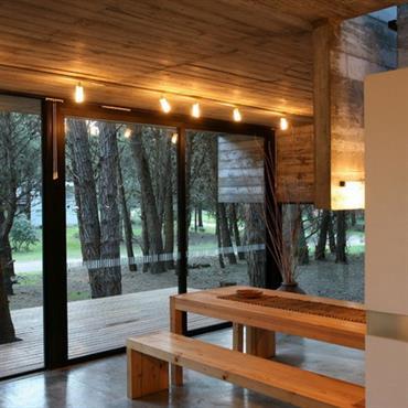 Salle à manger bois entièrement vitrée