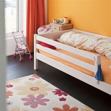 Chambre pour enfants dans des teintes de ocres.