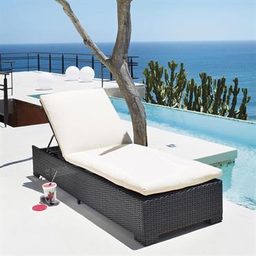 Délassez-vous sous le soleil confortablement installé sur votre bain de soleil en résine Miami. Ce transat de jardin est traité afin de résister aux intempéries et aux rayons UV. Son ...