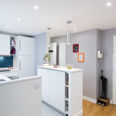 Cette cuisine et un modèle SPACE de chez GeD CUCINE, elle constituée d'un aménagement L de meubles bas avec rangement sur mesure et d'une rangée de meuble haut.  L'aménagement cuisine L ...
