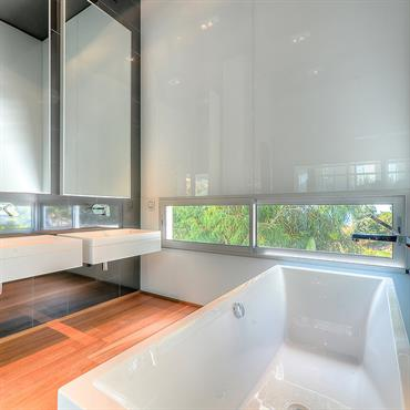 Salle de bain vitre et miroir