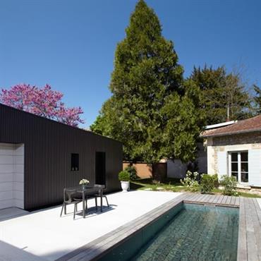 Vue extérieure et piscine