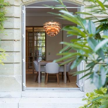 Immeuble Haussmanien, accès à la salle à manger depuis la terrasse