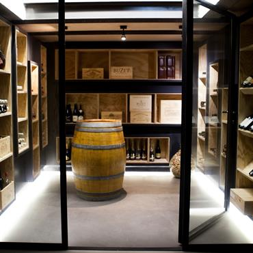 Caves vins design et contemporaines id e d co et am nagement caves vins design et - Amenagement cave a vin maison ...