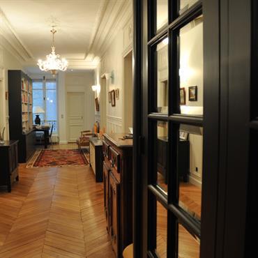 Entr es et couloirs id e d coration entr es et couloirs et for Decoration couloir moderne