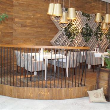 Salle de restaurant sur la mezzanine