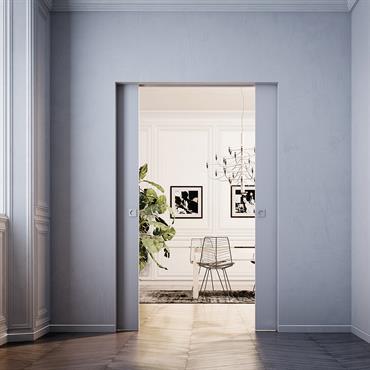 Porte coulissante à galandage d'une modernité épurée qui s'intègre parfaitement au décor