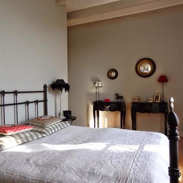 Chambre au décor baroque