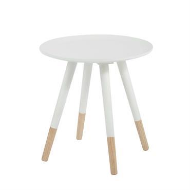 De forme ronde, cette table basse sera idéale pour les petits espaces. Recouverte par un plateau peint en blanc, cette table basse mettra un peu de clarté dans votre salon ...