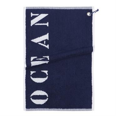 Avec ses dimensions, la serviette de toilette en coton bleu OCÉAN sera idéale comme essuie-main. Dans une salle de bain blanche, cette petite serviette ajoutera une touche de couleur et ...