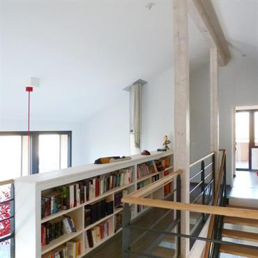 Mezzanine bibliothèque ; couloir