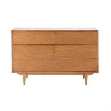Conçue en bois de chêne massif français, cette commode à 6 tiroirs vous offrira un bel espace de rangement. Sobre et épurée, cette grande commode en bois trouvera sa place ...