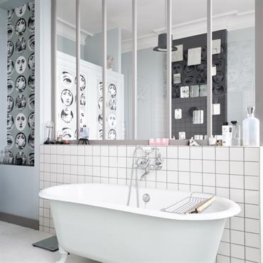 Salle de bain moderne id es photos tendances domozoom for Petit carreaux salle de bain