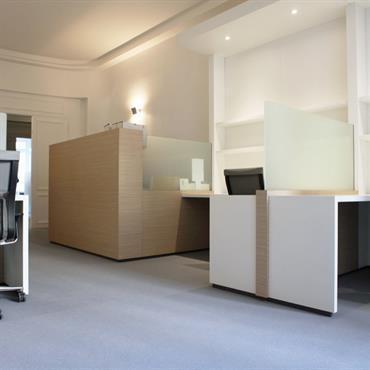 Bureaux individuels dans un Open Space