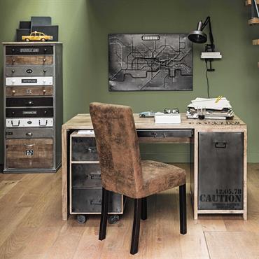 Donnez un style loft à votre pièce de travail grâce au bureau au style industriel Manufacture. Un meuble bureau en bois aux finitions vieillies pour un style urbain qui donnera ...