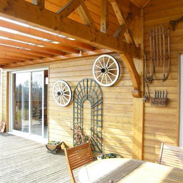 Terrasse d'une maison bois traditionnelle