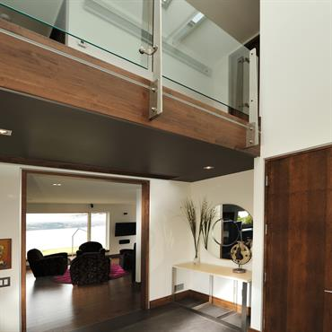 Mezzanine avec garde corps en verre