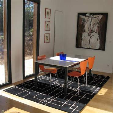Salle à manger d'une maison en ossature bois