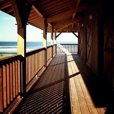 Plancher et garde corps en bois