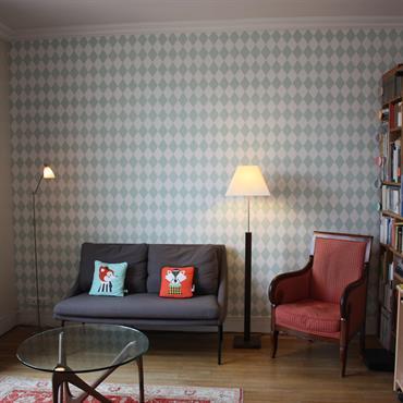 Petit salon de ville d'inspiration scandinave