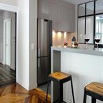 Cuisine semi-ouverte avec bar - Coté salle à manger