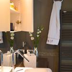 Salle de bain contemporaine sur mesure