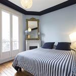 Chambre classique en nuances de bleu