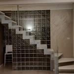 Escalier en métal et verre