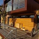 La terrasse et le volume des chambres