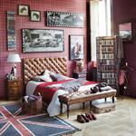 Bout de lit capitonné à roulettes vintage en bois et cuir marron