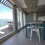 Salle à manger / Cuisine avec vue sur l'Océan