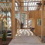 La passerelle entre salon et sauna